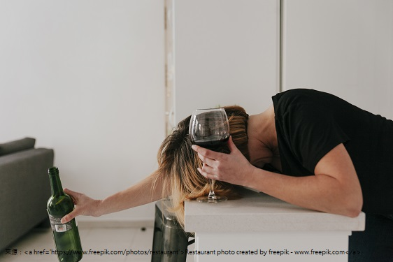 woman-drank-too-much-wine